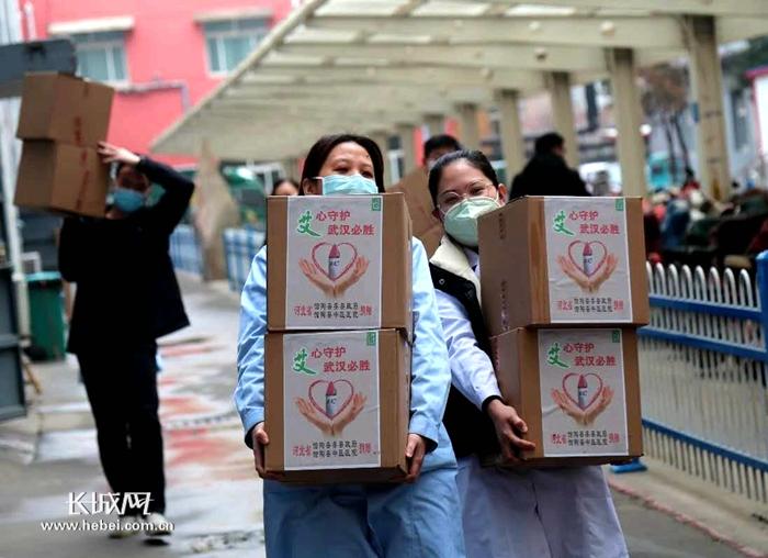 河北館陶:捐贈100箱艾條運往武漢