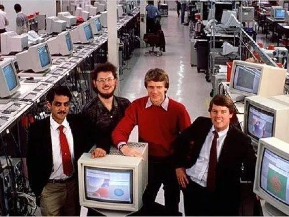 狂赚1200亿,差点收购苹果,这家公司却陨落了!