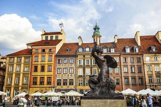 波兰gdp_波兰财政部长:封锁措施每月对GDP造成2个百分点的冲击。