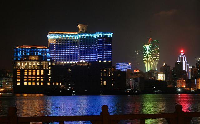 2019中国gdp是多少_2020年前三季度GDP50强城市:对比2019年,超六成城市排名有变