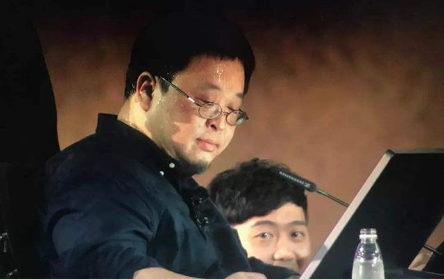 """羅永浩要加入小米?盧偉冰""""低頭""""承認戰斗力不如老羅"""
