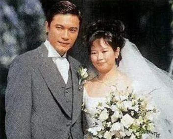 与前妻相守28年的罗嘉良,为什么转身就娶了小自己12岁的苏岩?