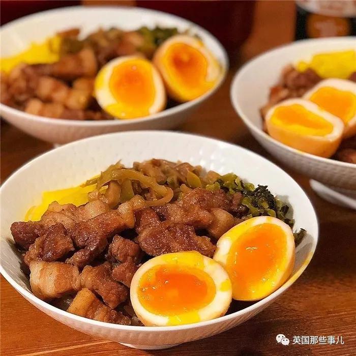 吃货妹子自称只会用普通食材做简单饭菜…这是对简单有什么误解!