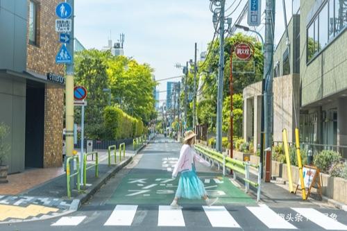 世界城市人口_我国总面积最大城市,人口仅2500人,凭什么入围世界魅力200强?