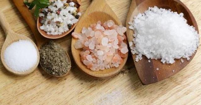 我国心血管病高发,多放一勺盐就相当于蔬菜水果白吃,你还不改?