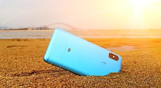 高声量、高流量,为什么小米手机市场份额和出货量仍会双双下跌?