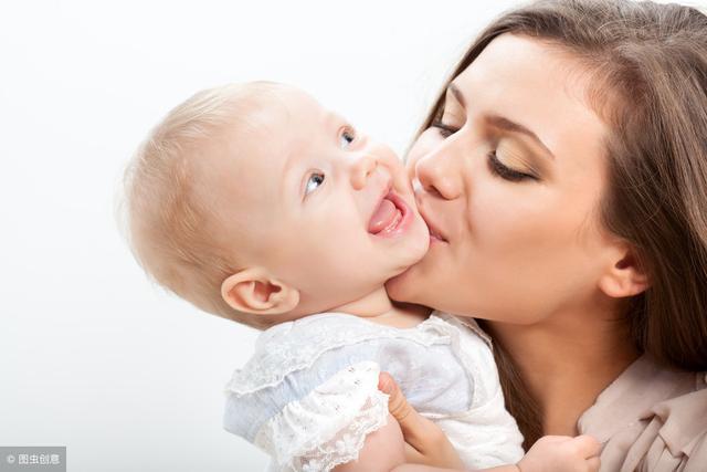 不吻孩子手和嘴,不用孩子水杯重视孩子的这些症状