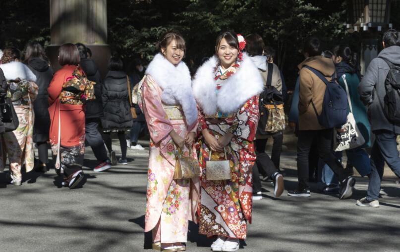 日本的经济总量在世界第几位_日本相扑横纲有几位