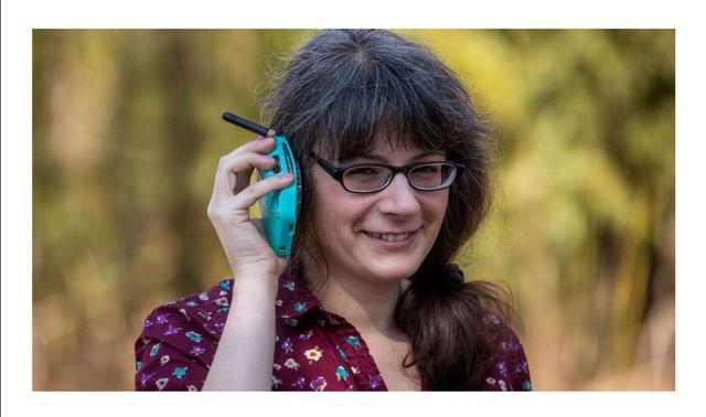 """""""反智能手机""""太空工程师用拨号盘造出复古手机"""