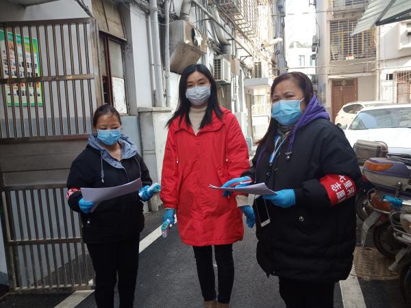 襄阳市高新区:疫情防控展风采 谁说女子不如男
