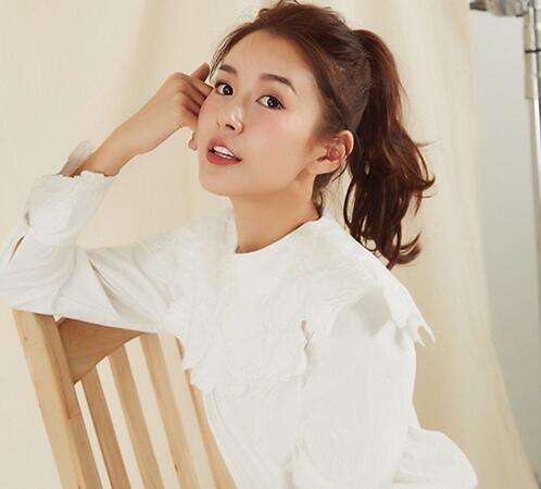 36岁张子萱生二胎后发际线严重后移,网友直呼姐姐变秃了