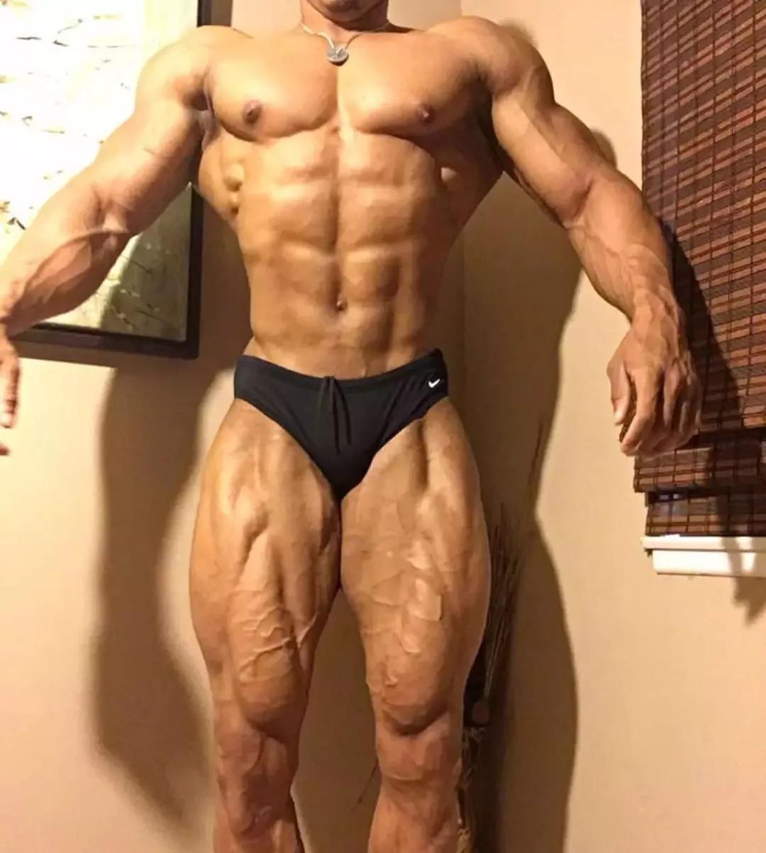 <b>同样是练腹肌,为什么别人练出的腹肌比你更有型?</b>
