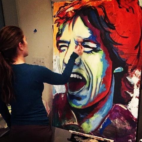 又是一个前挺后撅的人民艺术家_布兰妮