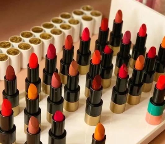 原创爱马仕口红正式发售,你会为爱马仕美妆产品买单么?