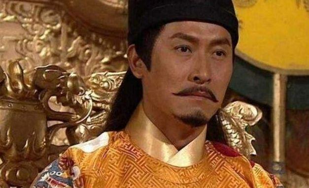 原创            朱元璋正在和大臣议事,马皇后回宫,朱元璋跪地,生什么?