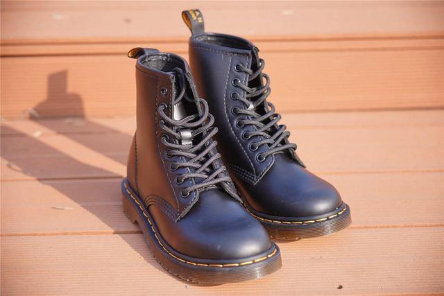 马丁工装靴不是只有踢不烂--七面固特异马丁工装靴分享