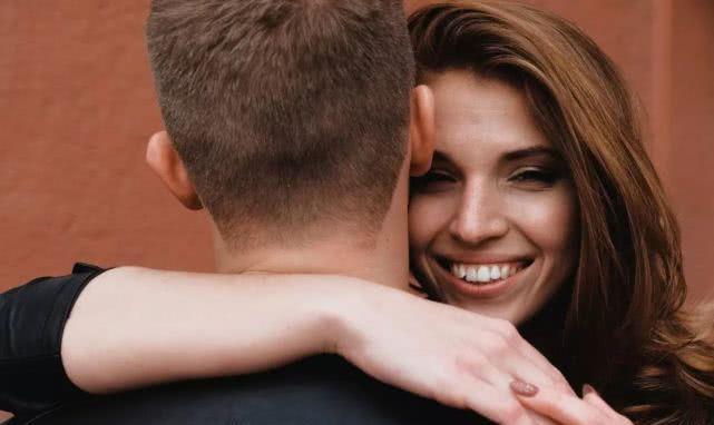 不管你有多爱一个男人,都不要用这样的方式和他相处