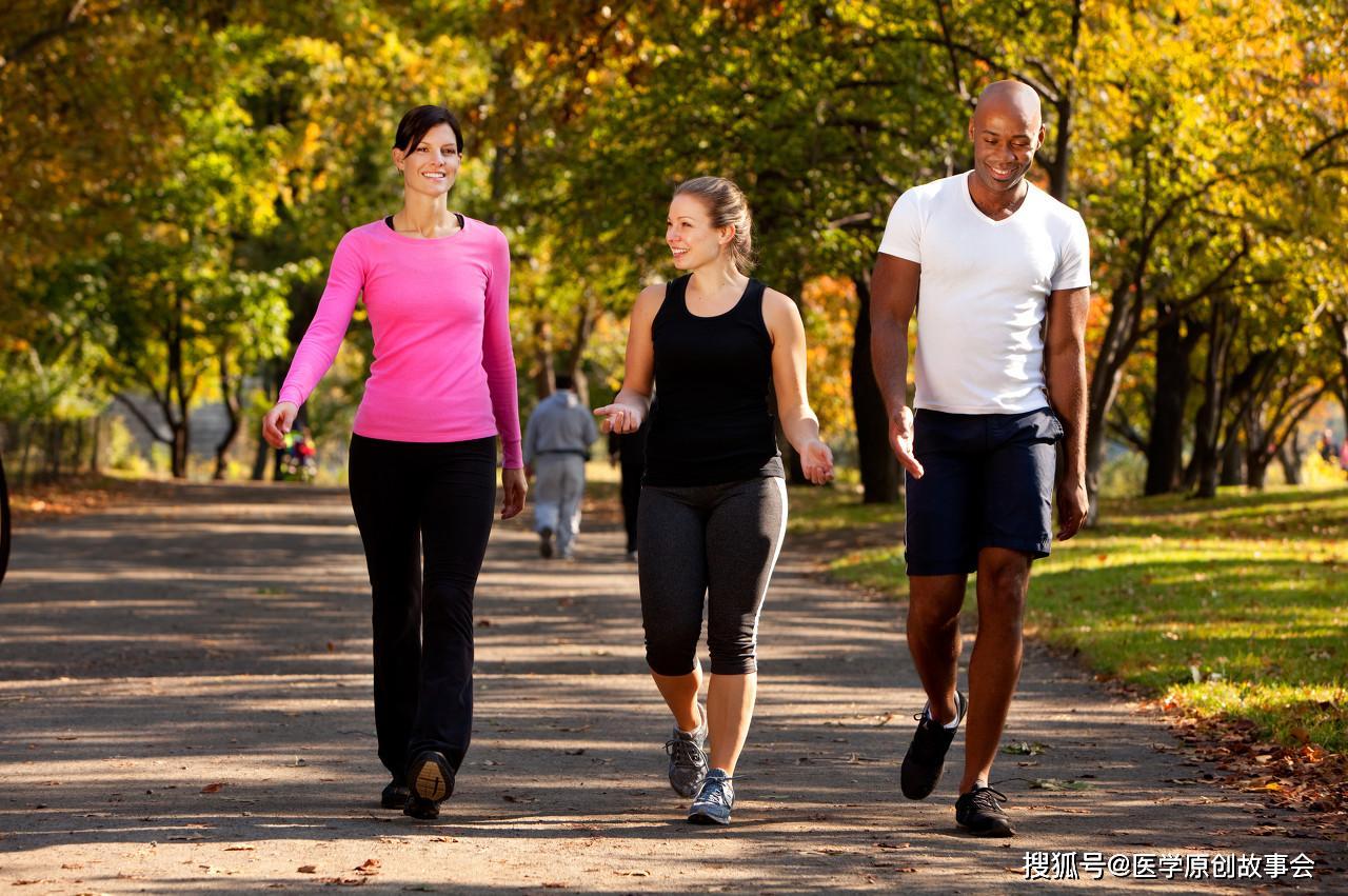 日行万步,是健身还是伤身?每天最好走多少步,标准范围内更健康