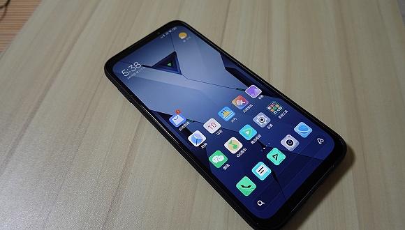 夠大夠厚夠夸張,騰訊黑鯊游戲手機3Pro上手體驗_Switch