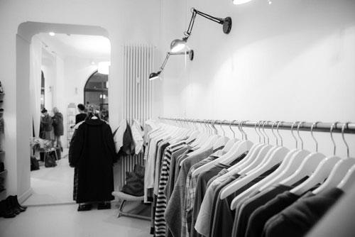 维欧艺术留学:申请法国服装设计专业有难度吗?