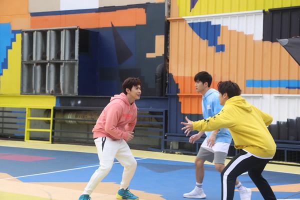 男子跳唱组合BOP天堂鸟新拍MV《冒险岛》释放正能量