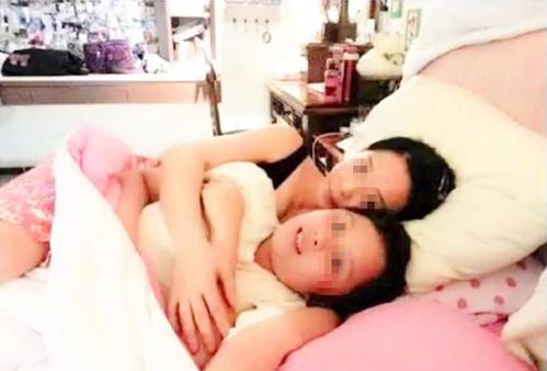 27岁儿子和妈妈一起睡觉,觉得挺正常,网友:越界的母爱真可怕