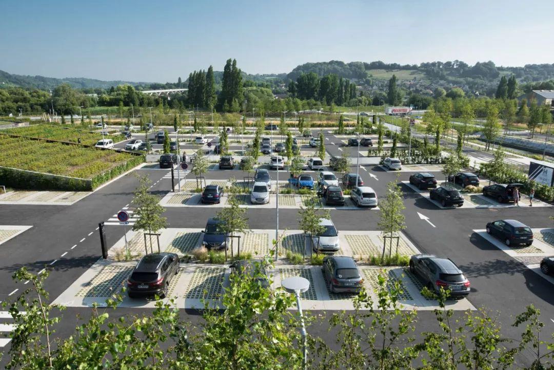 创意的停车场景观设计,太有艺术感了!_车位图片