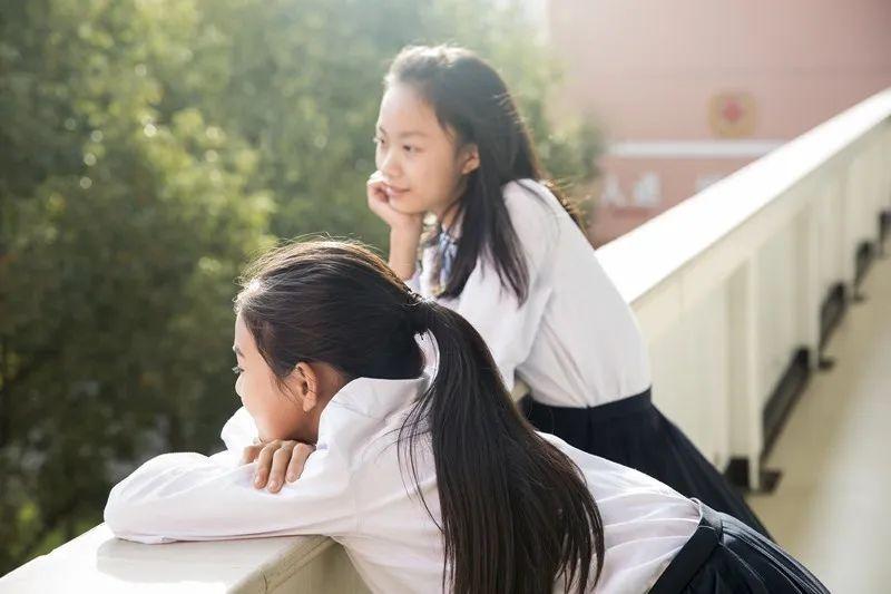"""""""不要救我,我太累了"""":妈妈跳河事件,揭露了5个亲子真相!"""