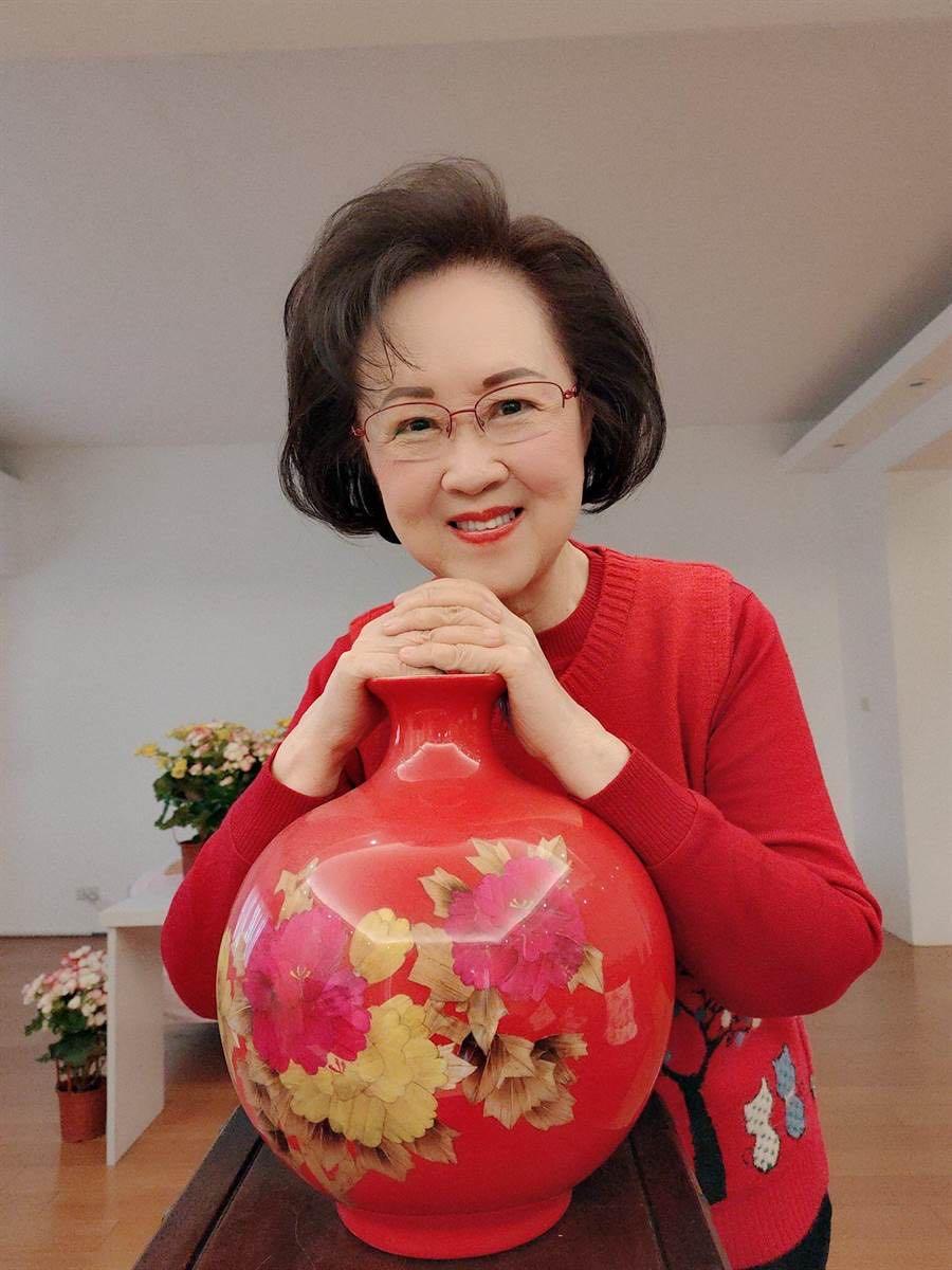 『和平』认为自己累了,和平鑫涛的婚恋最具争议82岁琼瑶告别社交平台