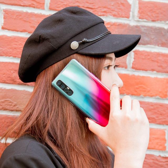 Reno3Pro是2020年最好看的5G手机?数码博主此言从何而出