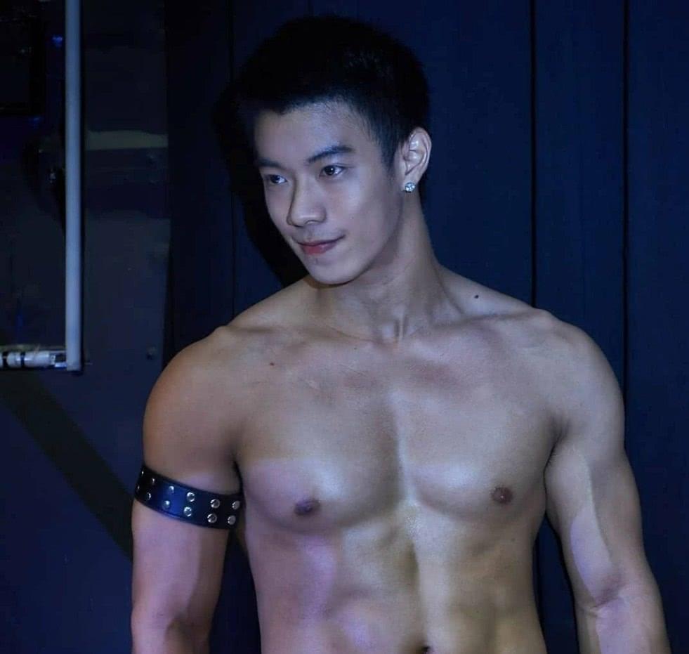 """高颜值泰国男模拍摄花絮,时而阳光时而呆萌时而""""A"""",喜欢不?"""