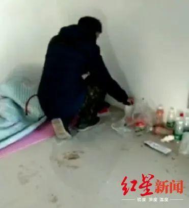 差距!周口小伙回老家怕携带病毒感染他人,在县城偷偷打地铺