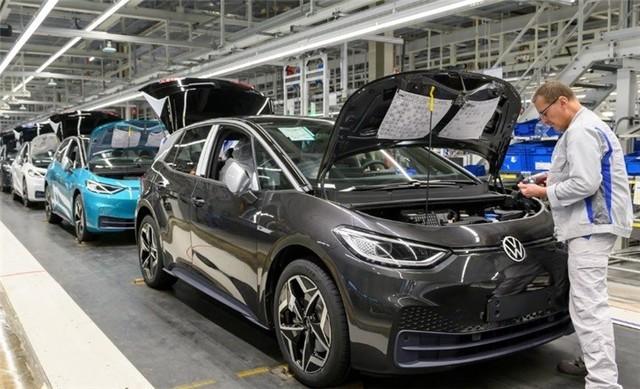 大眾高管談特斯拉 電動汽車技術領先對手十年