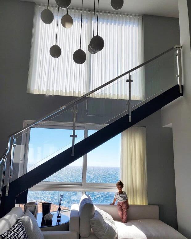 世外桃源!女友晒C罗家乡豪宅 窗外就是蔚蓝大海