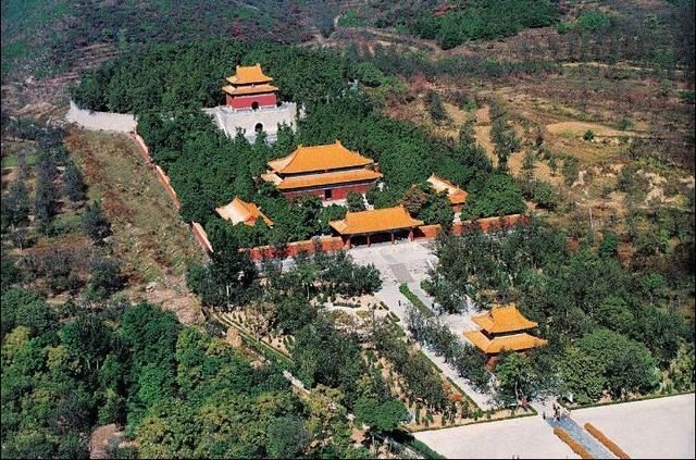 北京明十三陵是中国乃至世界现存规模最大