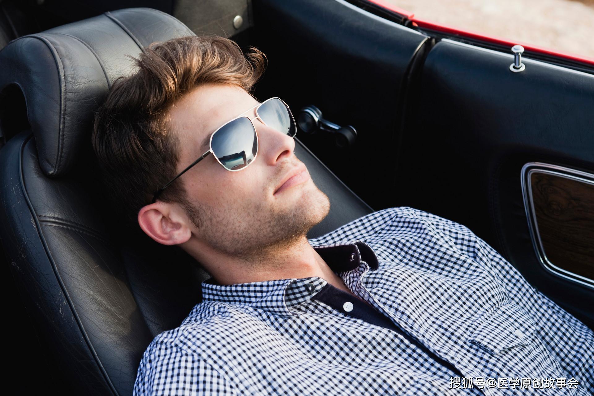 原创寿命短的男人,睡觉时会半夜早醒,若符合三种情况,提示该体检了