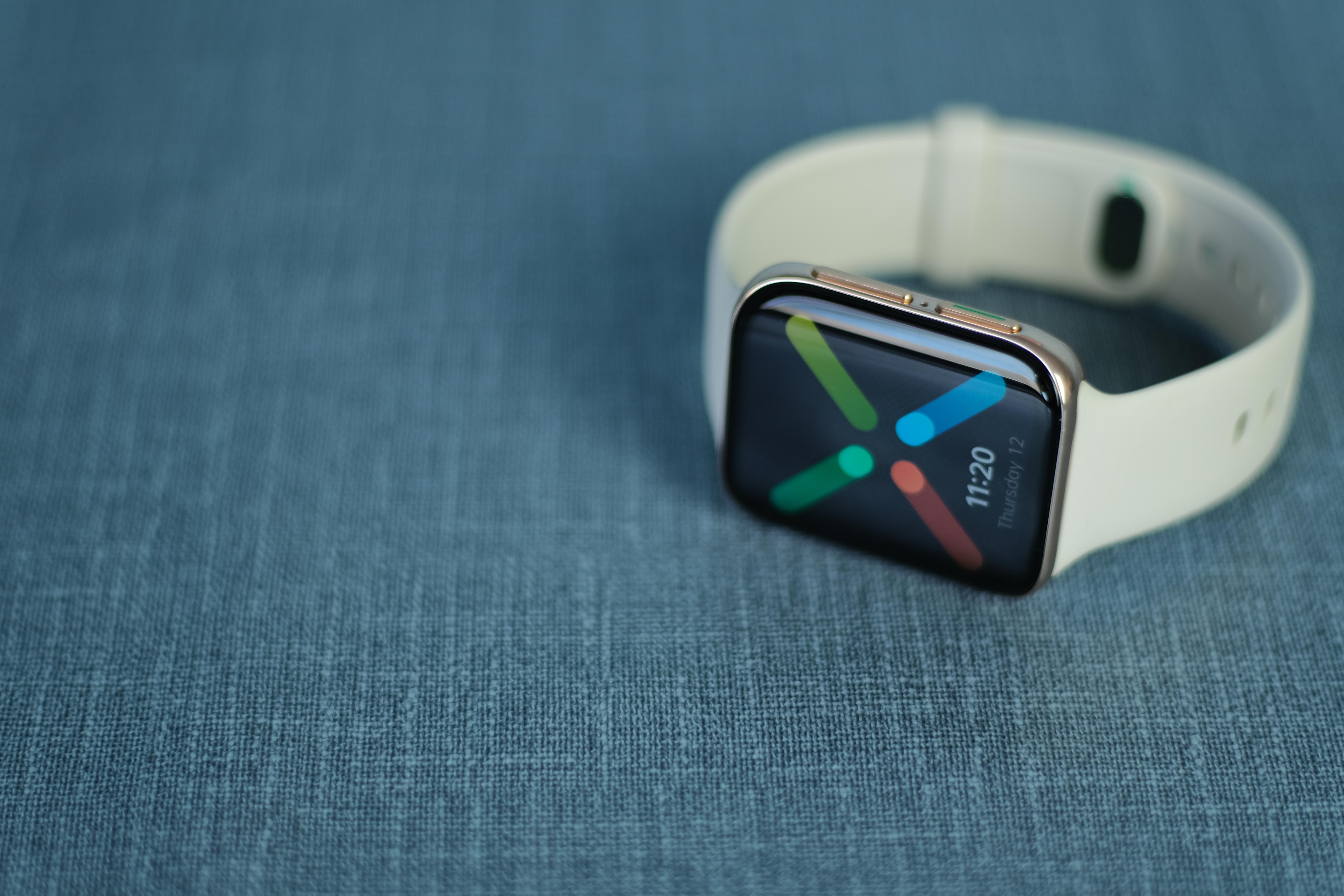 OPPO Watch:雙曲面屏幕×Android定制系統,補足智能可穿戴產品線