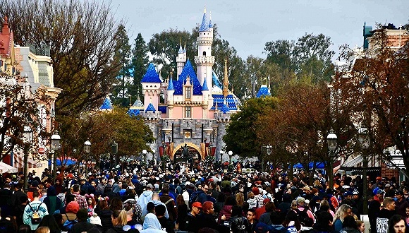 各國加碼防控停課閉店,迪士尼全球關園大量賽事取消