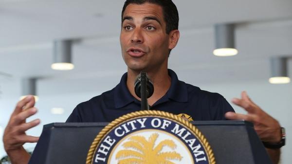 迈阿密市长新冠病毒检测阳性,4天前与博索纳罗出席同一活动