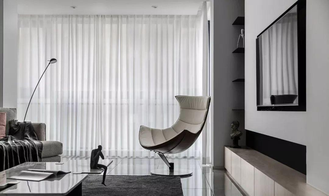 110平现代简约时尚三室黑白灰呈现纯粹本质