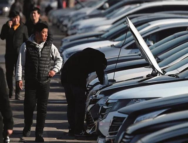 2月汽车销量下滑80%,部分宝马经销商为何酝酿涨价?