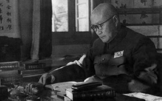 刘伯承当军事学院院长,竟三请国民党将领当老师?提及抗日才出山