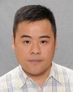 哥哥是合作劉德華張柏芝的大導演,TVB綠葉韋家雄為何還如此拼命
