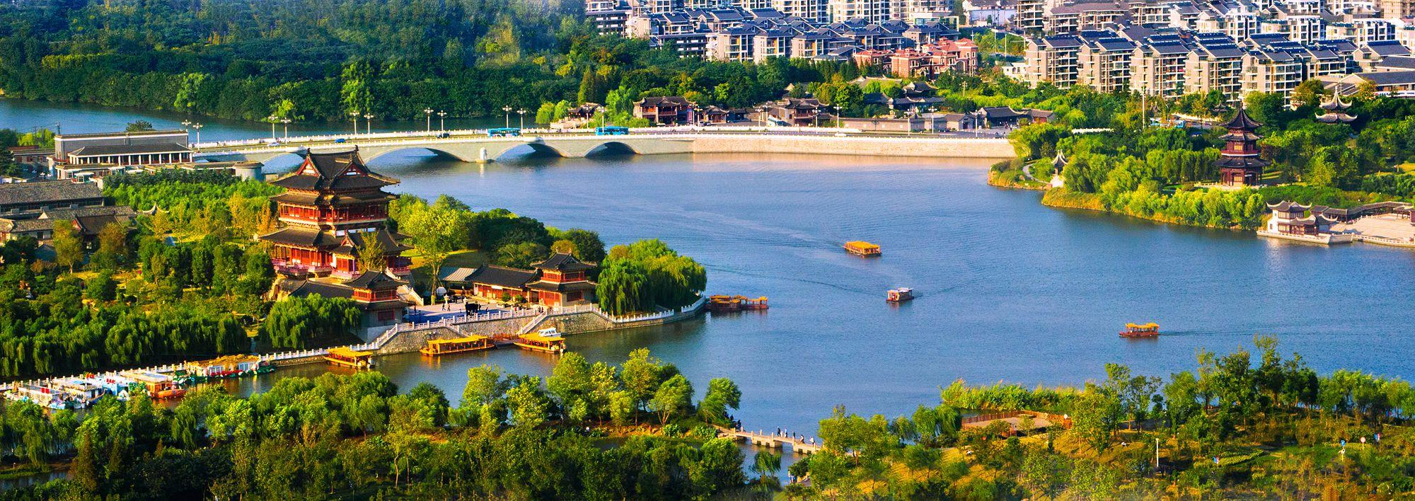 原创            梅兰芳、桃花扇,凤城河畔望海楼,泰州春天里的遇见