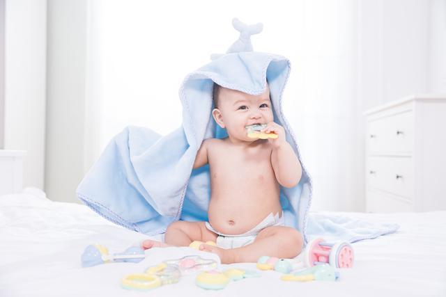 """原创宝宝身上这几个部位,""""脏""""才更健康,家长洗""""干净""""就是坑娃"""
