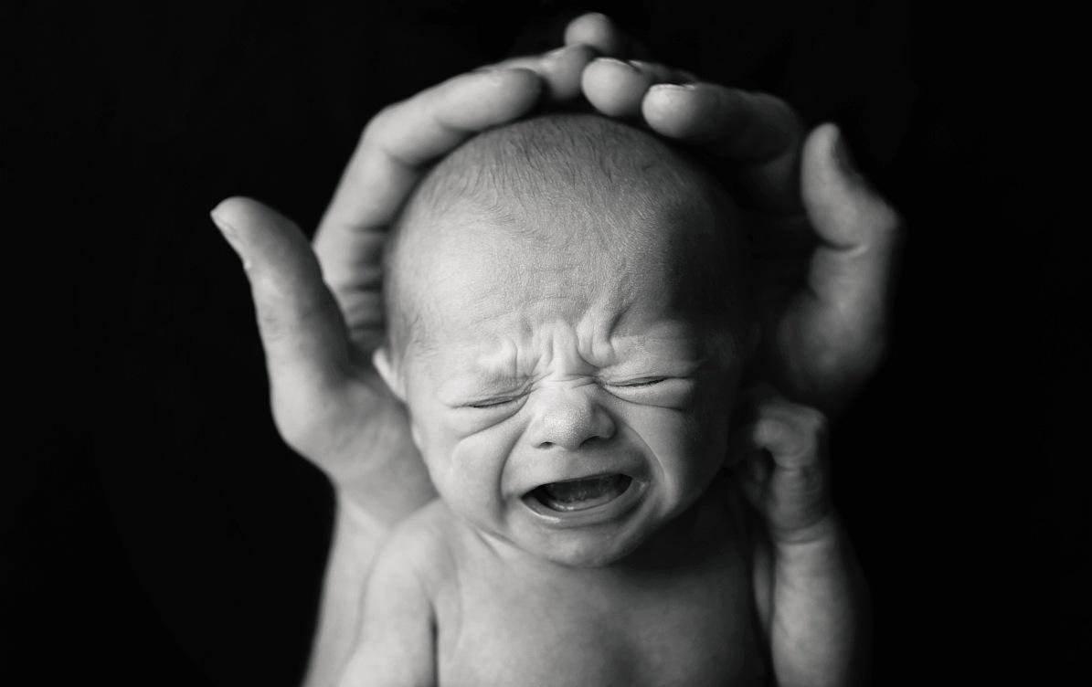 """""""哭闹""""就是婴儿的语言!医生教你这样听"""