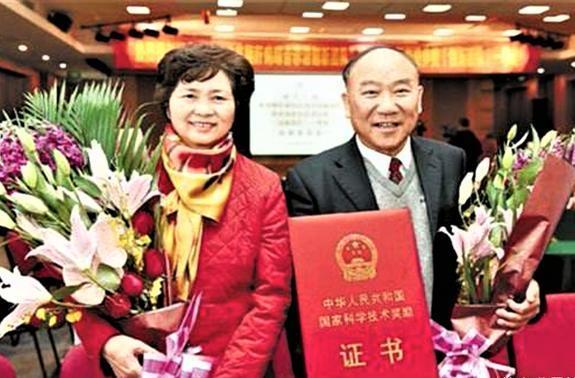 73岁的李兰娟比肩84岁的钟南山,获得他的支持,获得顶尖奖项提名