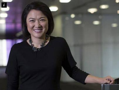 29岁嫁房地产大亨,向哈佛捐款6亿,网友:早就不是中国国籍