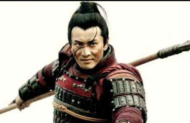原创            他冒死救了赵匡胤性命,在被人诬陷时,赵匡胤说了两个字