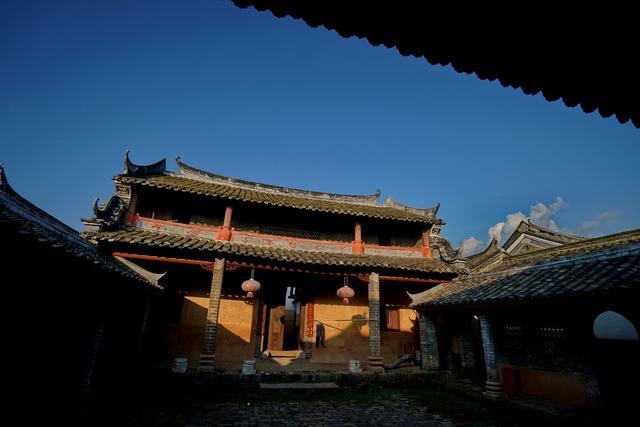 原创            广西一古村寨靠什么繁荣400年,大户人家留下的不是奢华而是文化